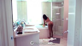 FantasyHD – Jade Jantzen gives blow job in bubble bath YedGayxxx